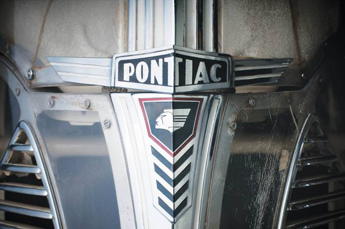 plexiglass carPontiac ghost car logo