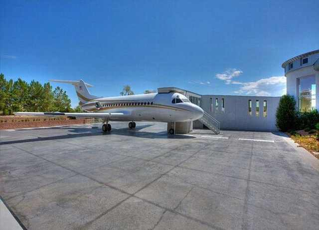 mansion with airport