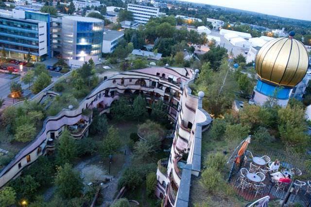 Amazing Apartment Complex