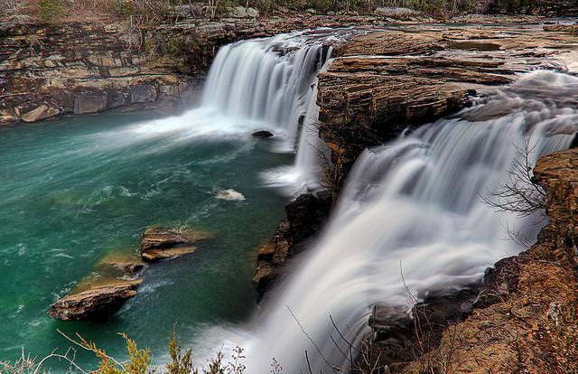10 beautiful natural pools