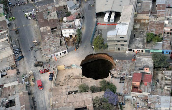 Giant sink hole