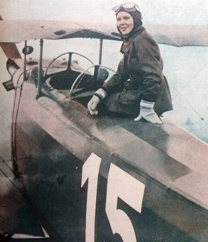 33 strong women Sabiha Gökçen from Turkey, First Female Fighter Pilot.