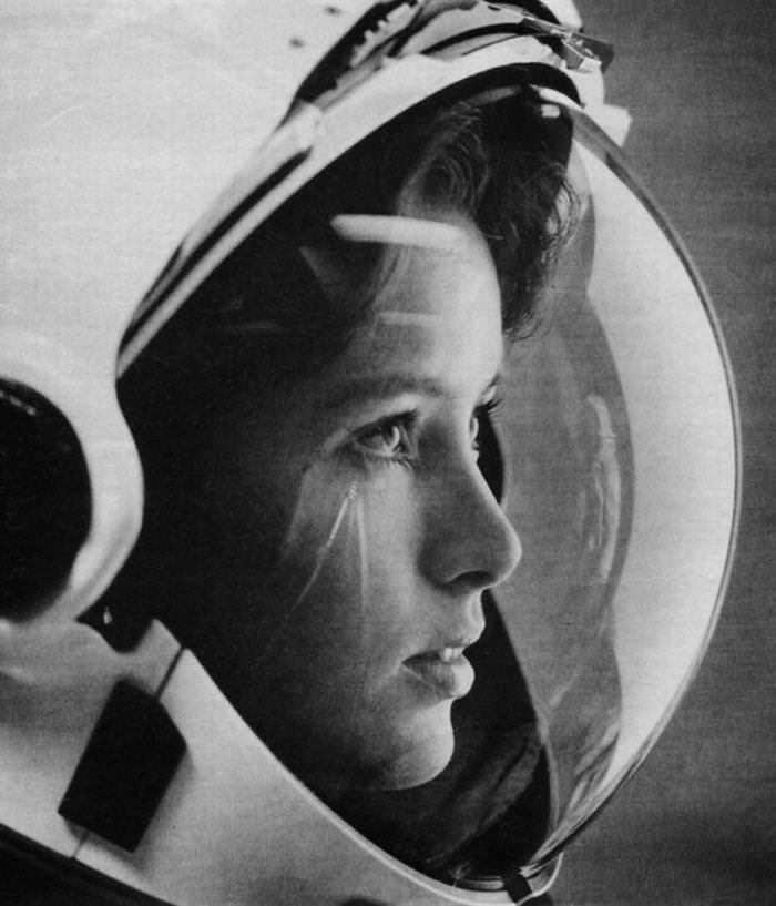 33 strong women Anna Fisher Became the First Mother in Space.