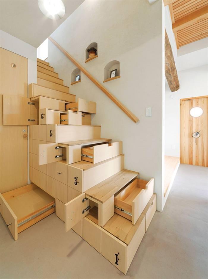 Surreal interiors escada com gavetas