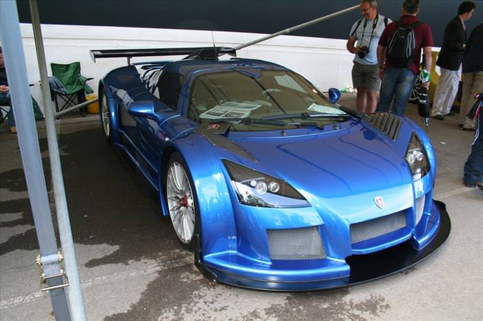 The Germans Really Do Know How to Build Fine Supercars...