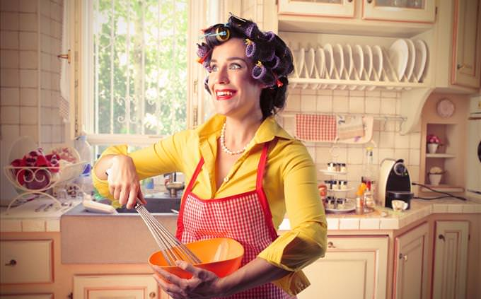 crazy retro housewife