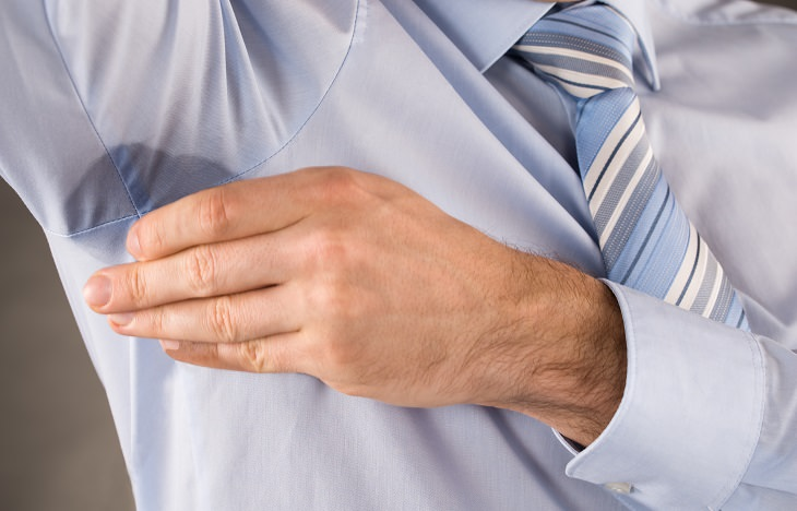armpit stains