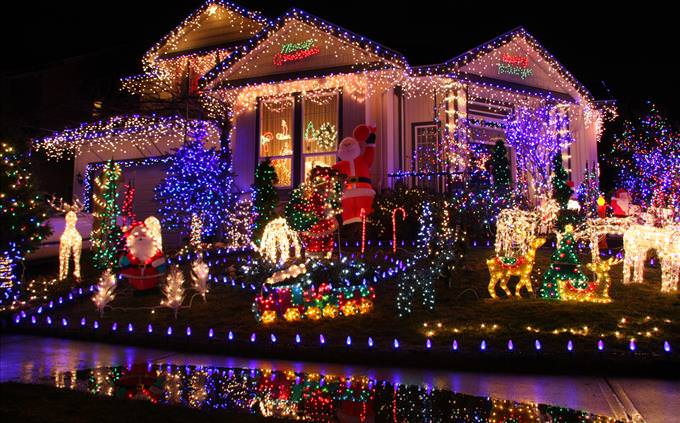 house with a lot of Christmas lights