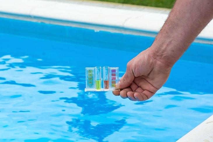 Gérmenes de cloro y agua