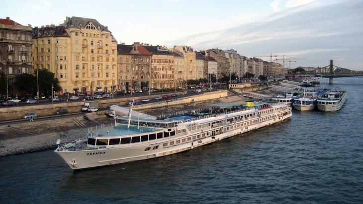 Danube boat ride in Budapest