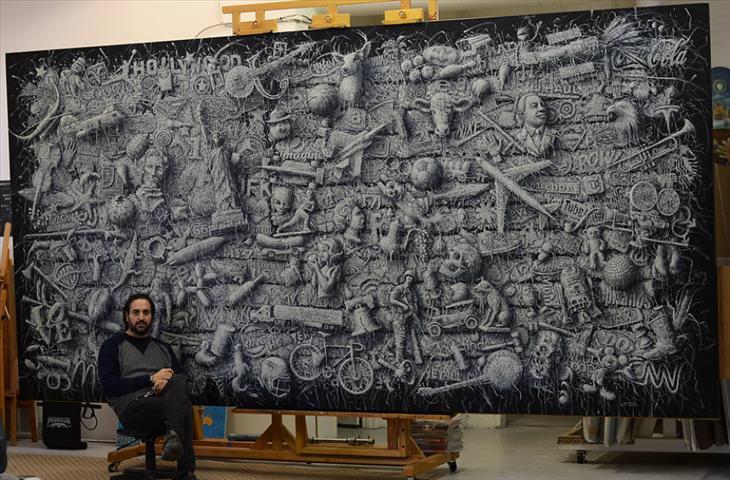 Obras de arte con efecto de Tejido de Alexi Torres Alexi posando con su obra de arte