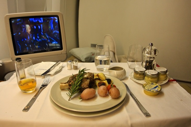 in-flight food and drinks tips