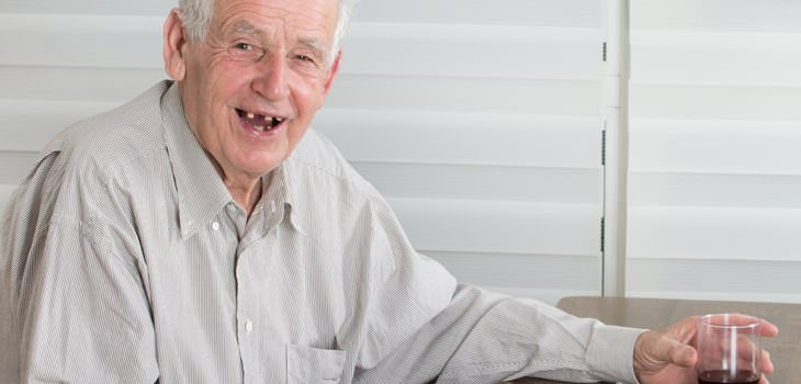 short senior jokes - old man with few teeth laughing