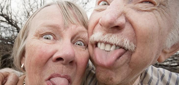 short senior jokes: Senior couple making faces