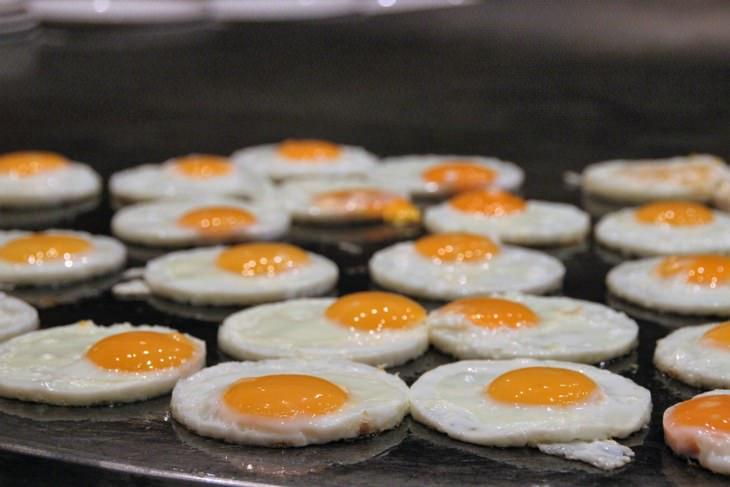 Egg yolk color meaning