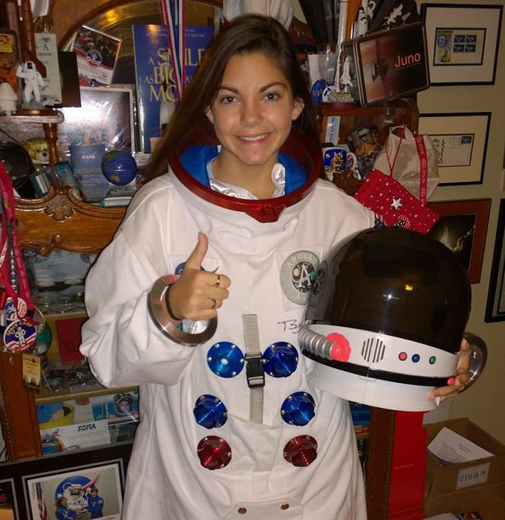 girl prepares for visit to Mars