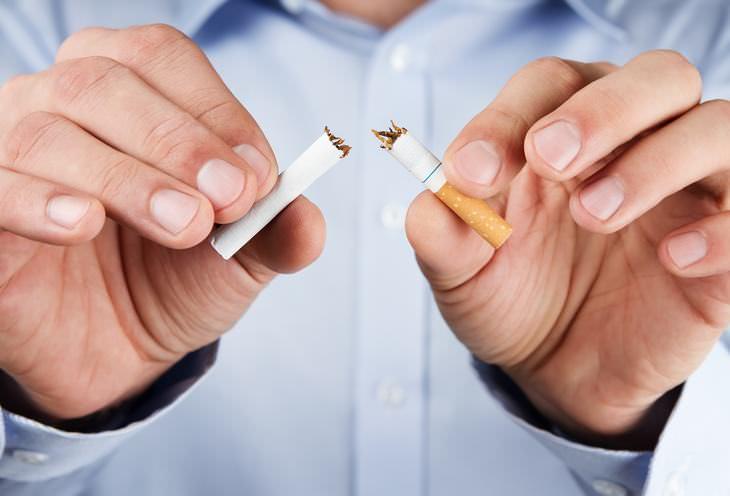 hábitos que pueden producirte dolor de espalda Fumar