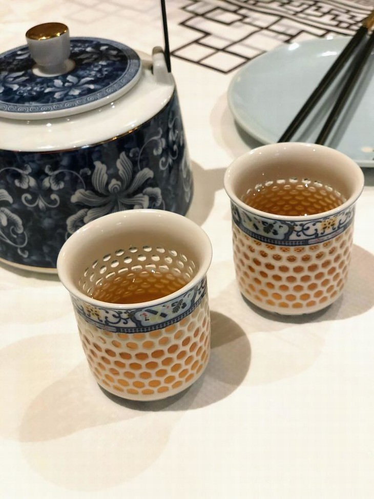 optical illusions teacups with holes