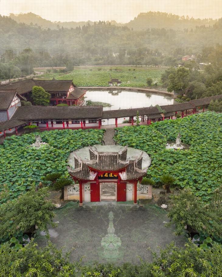 Asian temples architecture Eleonora Costi gate to Dazu Rock Carvings in China