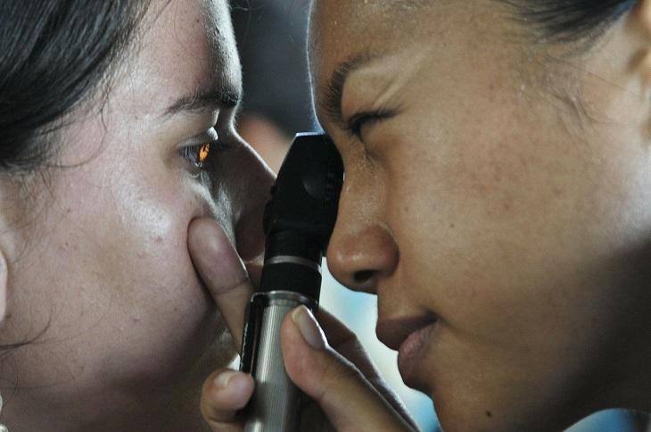 Eye Exam Predicts Future Cardiovascular Problems eye exam