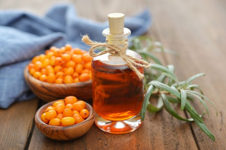 sea buckthorn health benefits sea buckthorn oil in a bottle