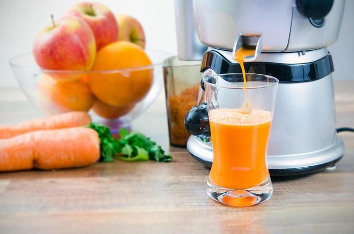 Immune-Boosting Drinks Carrot, Apple and Orange Juice