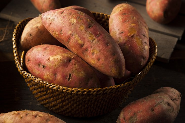 10 Foods That The World's Longest Living People Eat Sweet Potato