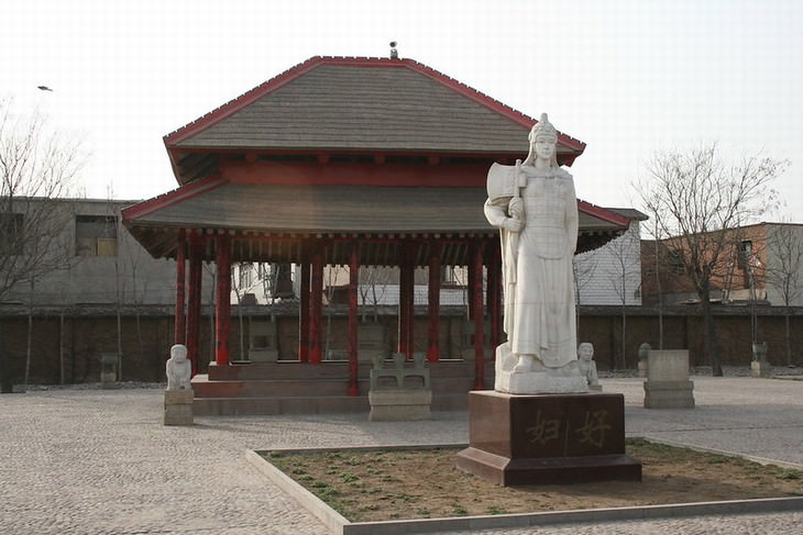 Greatest Female Warriors Tomb and Statue of Lady Fu Hao