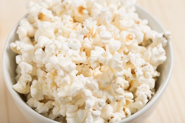 Foods You Can Indulge Without Gaining Weight Popcorn