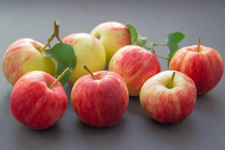 Foods You Can Indulge Without Gaining Weight Apples