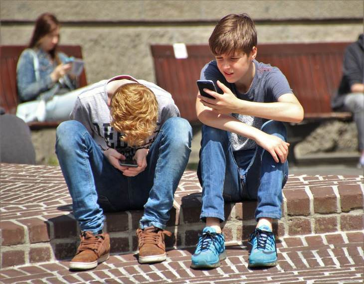 Children and smartphones: