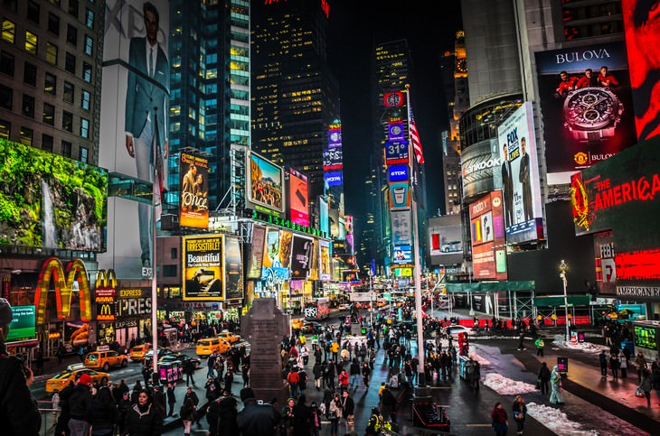 famous U.S. landmarks hated by the locals Times Square, NYC