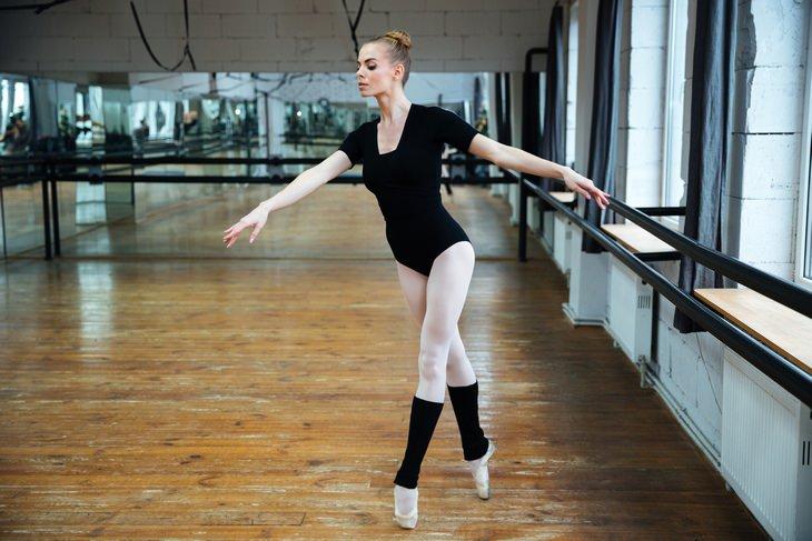 Calf exercises: tiptoe