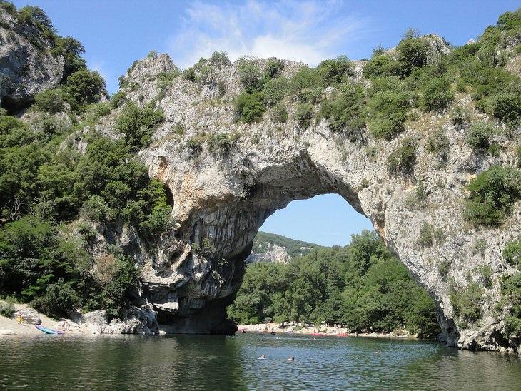 Chauvet cave: Pont d'Arc