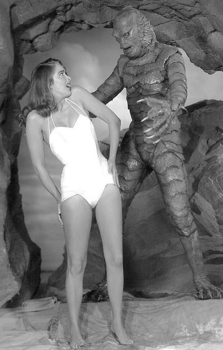 Black and white pictures: black lagoon