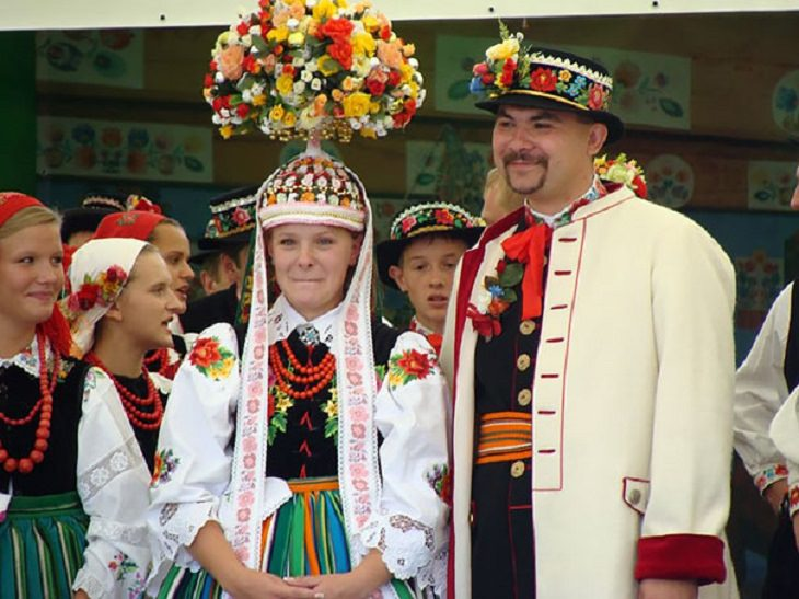 traditional wedding outfits Polish traditional wedding