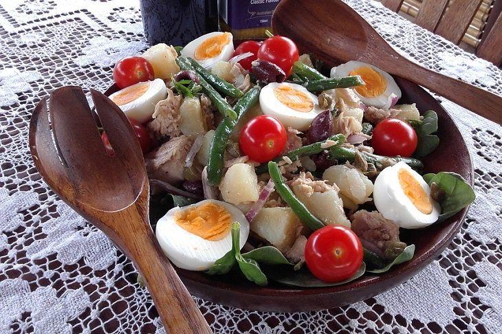 Muscle gain: protein eggs green beans tuna