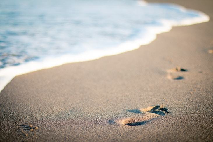 tips to get out of bed beach footsteps