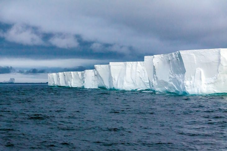 Antarctica: Antarctica's coastline
