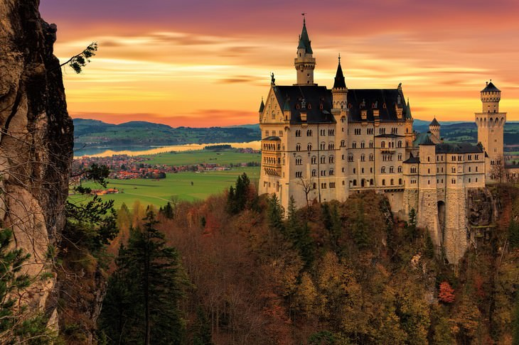 Bavarian Castles, Palaces and Fortresses Neuschwanstein Castle