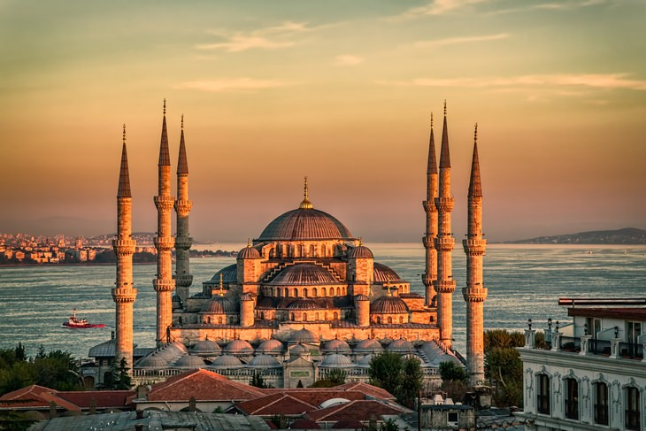 Beautiful houses of worship: Blue Mosque Istanbul Turkey