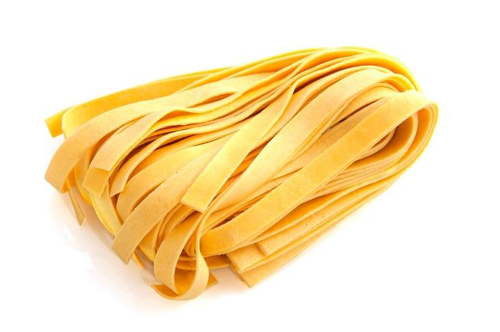 Pasta shapes: pappardelle, fettuccine, tagliatelle