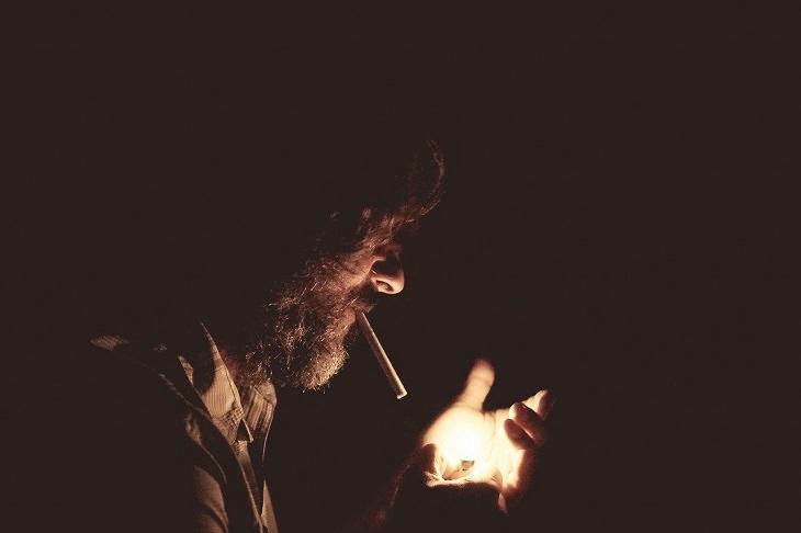 Nicotine alcohol and sleep: cigarette