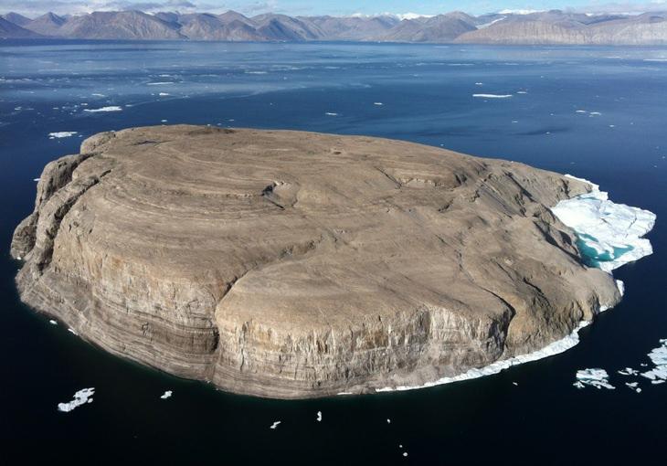 Scandinavia: Hans Island Canada Denmark war