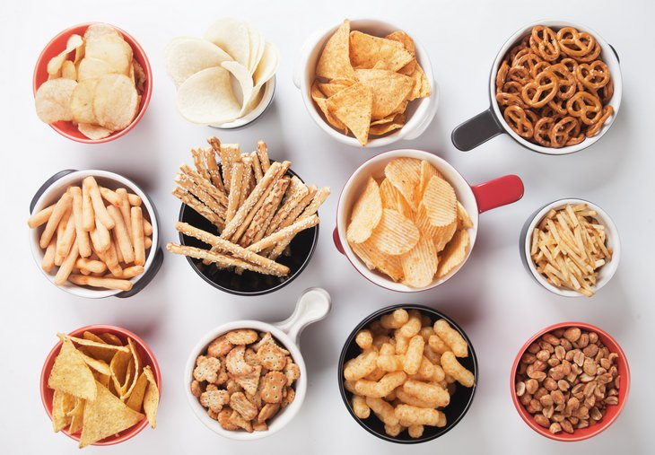 Weight loss plateau: salty snacks