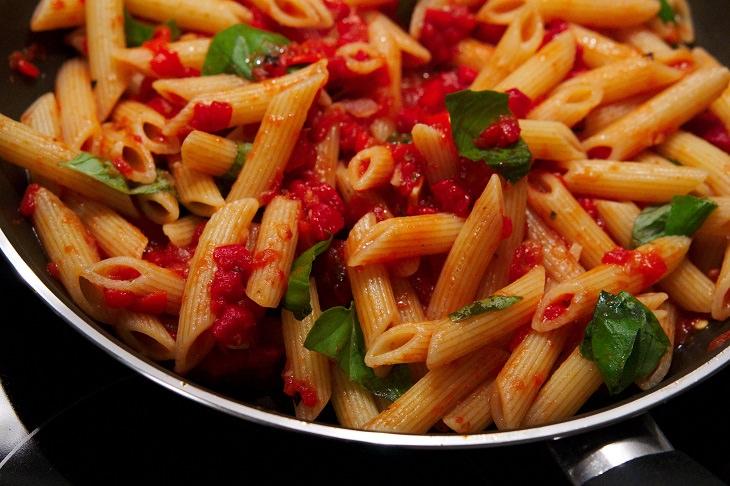 Pasta sauces: penne arrabiata