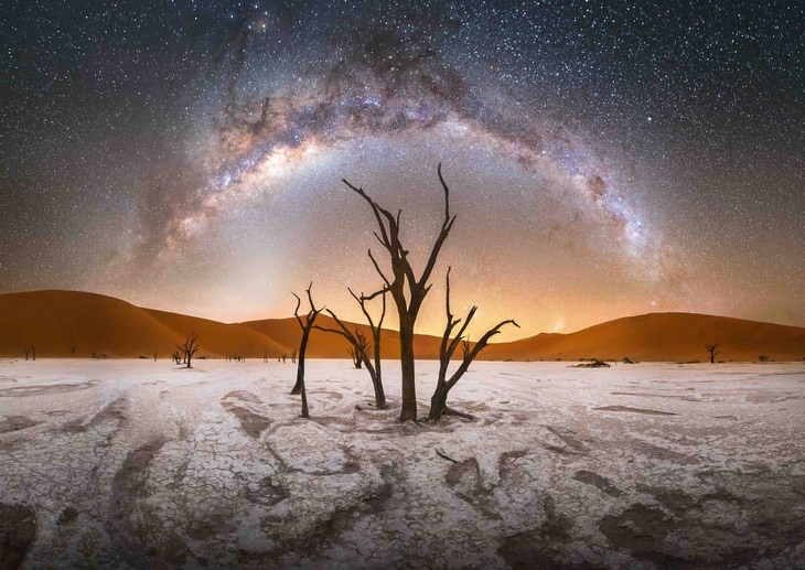 Astronomy pictures: deadvlei milky way