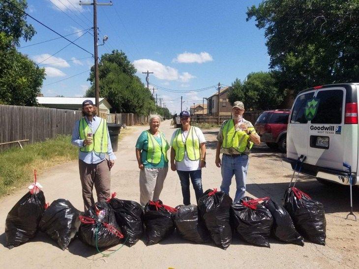 TrashTag Challenge: volunteers