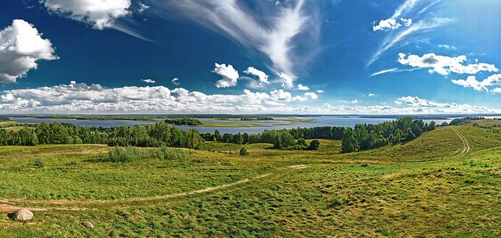tourist attractions in belarus lakes panorama view