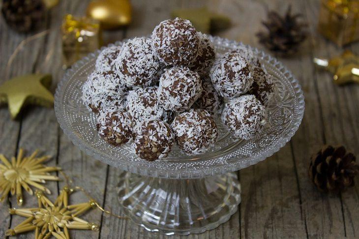 No bake: rum balls